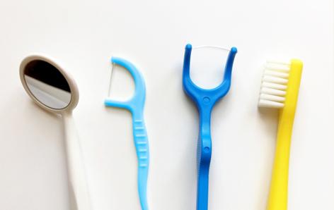歯間ブラシとケア用品